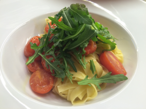 TAGLIATELLE WITH CHERRY TOMATOES AND ARUGULA