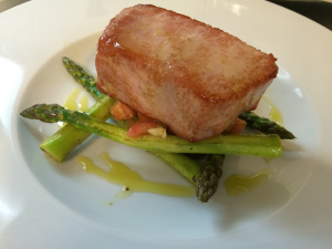 TUNA FISH FILLET WITH SAUTEED ASPARAGUS AND MARINATED TOMATOES