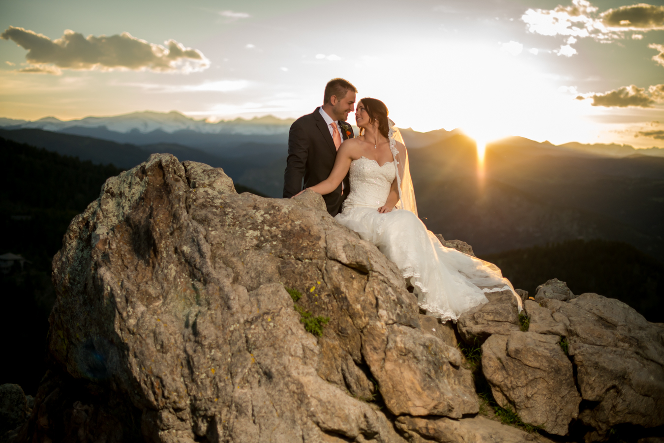 Romantic wedding in the mountains, sunset | Leonardo Bansko