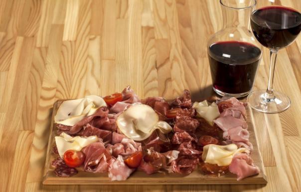 Италианските колбаси и най-подходящите вина за тях